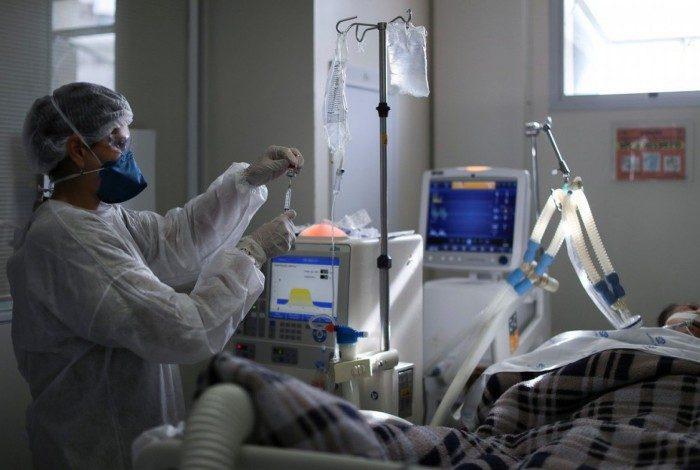 Número de mortes diárias por covid-19 registradas no país recuou 19,5% no período de duas semanas