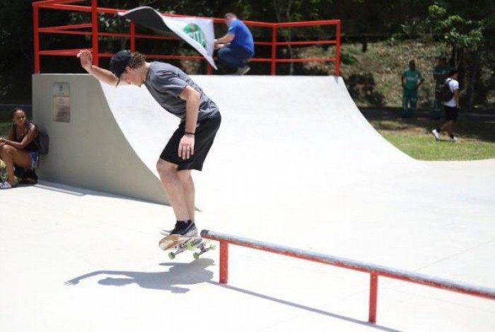 Prática de skate através de projeto pode contar com 2 núcleos em Petrópolis