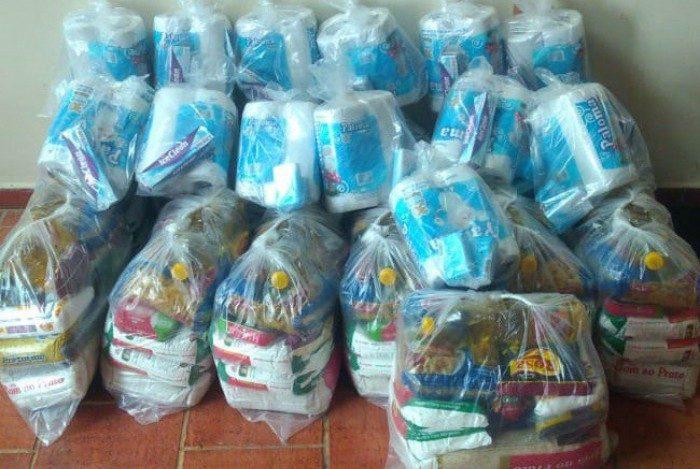 Parte das cestas distribuídas na primeira fase da campanha