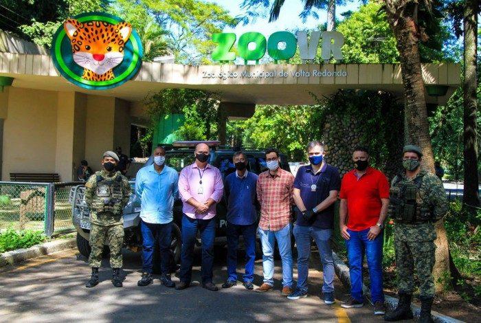 Grupo visitou o Zoológico Municipal que deve abrigar a unidade do Posto de Policiamento Ambiental