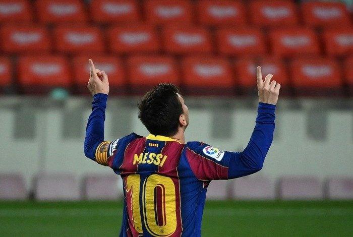 Com contrato válido até junho, Messi ainda não avançou na renovação com o Barcelona e se tornou prioridade do PSG na próxima janela