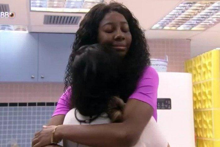 Juliette teme que Camilla de Lucas seja eliminada do