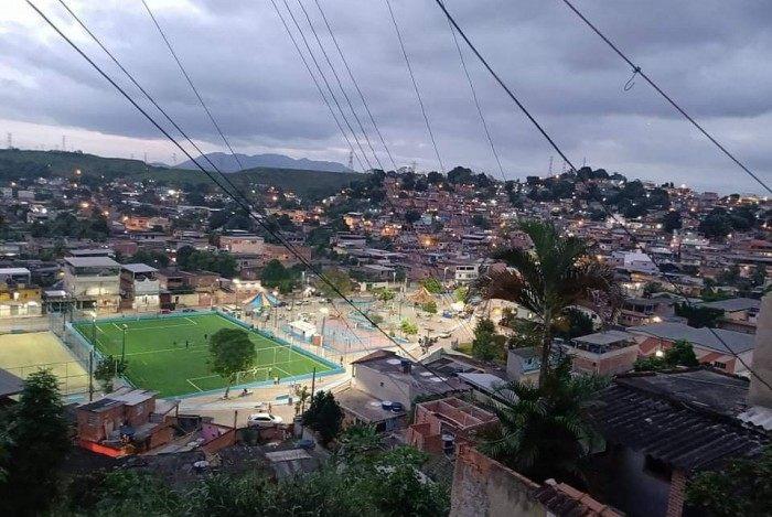 O bairro do Pantanal está às margens do rio Sarapuí e próximo da estação de Gramacho, em Duque de Caxias