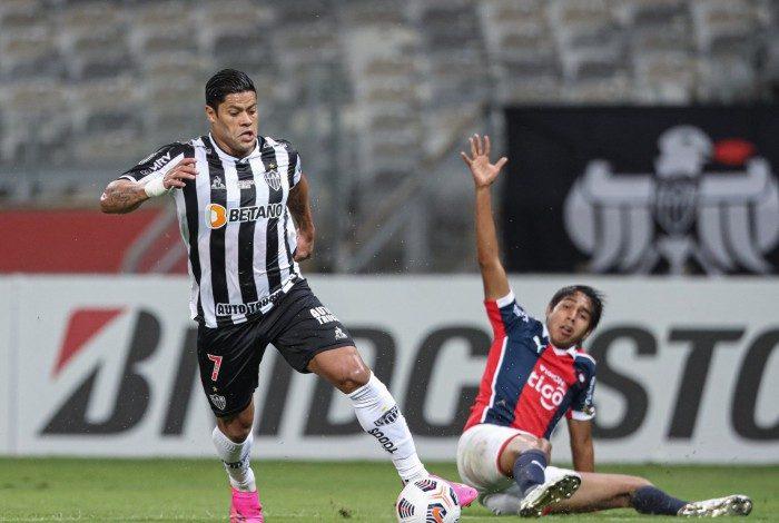 Após superar a crise com Cuca, Hulk voltou a brilhar e, com dois gols, foi decisivo na goleada sobre o Cerro Porteño