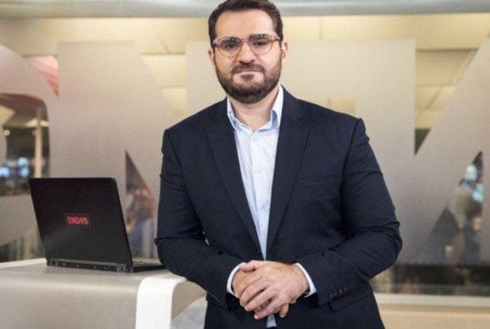 Marcelo Cosme, apresentador da GloboNews, presta homenagem à Paulo Gustavo e conta história emocionante