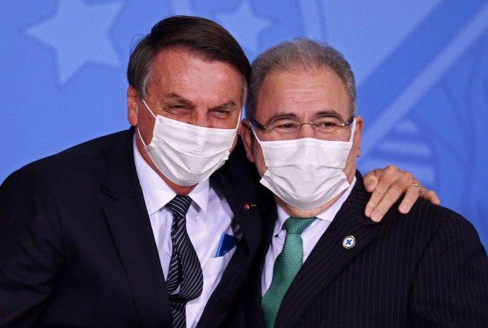 "Segundo Queiroga, a fala de Bolsonaro visa ""instigar"" pesquisadores brasileiros"
