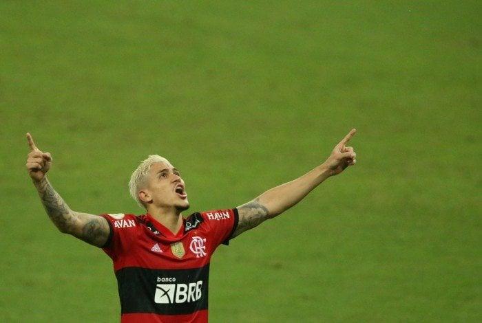 Flamengo X Palmeitas se enfrentam no estádio do Maracanã pela 1 rodada do Campeonato Brasileiro. O atacante Pedro comemora seu gol em cima do Palmeiras