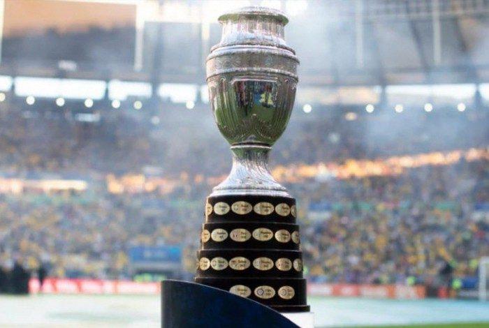 A realização da Copa América no Brasil segue como alvo de críticas diante do delicado cenário da pandemia do novo coronavírus no país