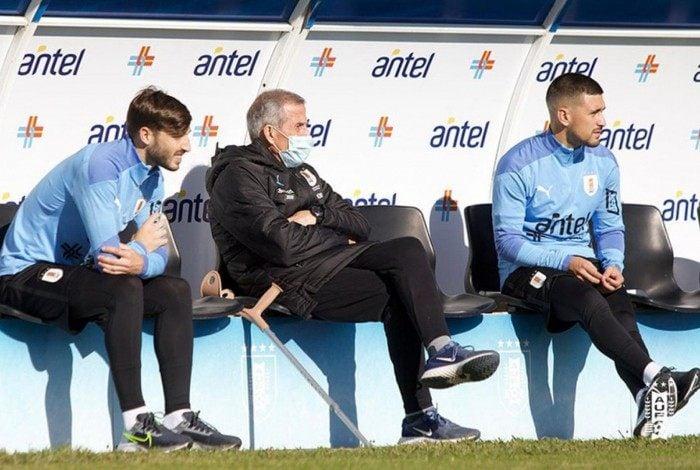 No início de junho, Arrascaeta se apresentou com Vinã, treinou sob o comando do técnico  Óscar Tabárez e depois foi afastado com Covid-19