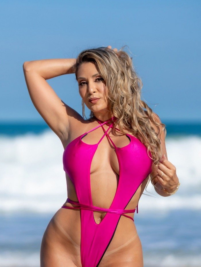 A GATA DA HORA - Larissa Rondon atriz, modelo e já participou de várias campanhas publicitárias