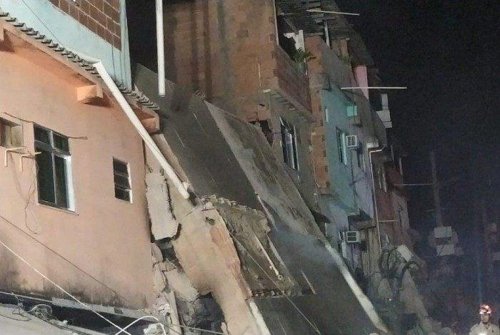 Prédio de quatro andares desabou em Rio das Pedras, na Zona Oeste do Rio, e deixou duas pessoas mortas