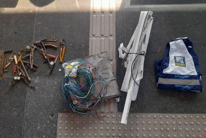 Homens foram presos por furtos de cabos