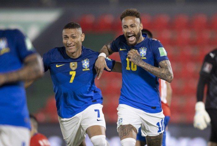 Brasil x Paraguai no Defensores del Chaco em Assunção. Neymar