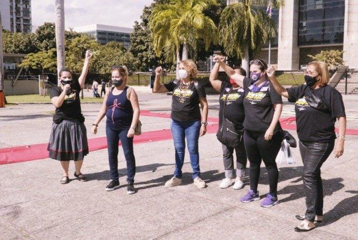 Após vacinação em massa, professores do Rio decidirão suspensão da greve