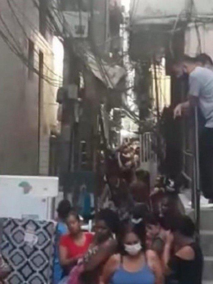 Imóvel fica na Rua Estrela Dalva, no Rio das Pedras