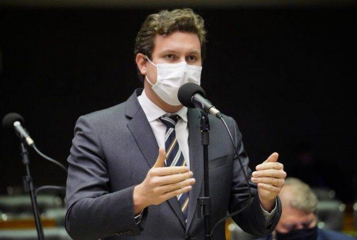 O relator, deputado Enrico Misasi (PV-SP), apresentou parecer pela aprovação, com ajustes de técnica legislativa