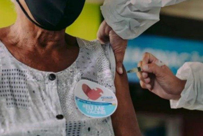 SES destaca que imunização completa só é possível com as duas doses da vacina