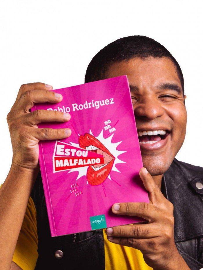A obra está em segundo lugar entre os mais vendidos na categoria LGBTQIA+ da Amazon.