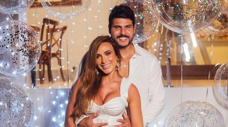 Nicole Bahls anuncia término do casamento com Marcelo Bimbi   Celebridades   O Dia
