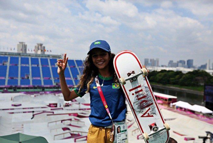 Rayssa Leal, medalha de prata em Tóquio-2020, segue brilhando dentro e fora das pistas de skate