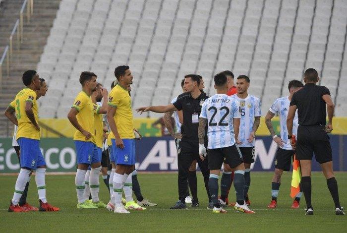 Partida entre Brasil e Argentina foi suspensa