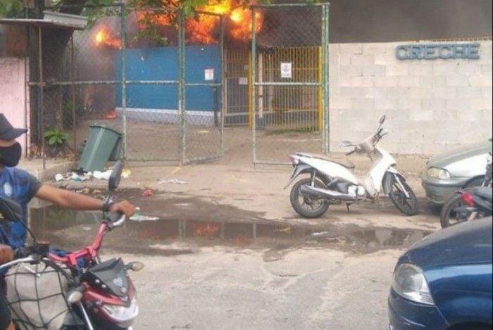 Creche incendiada na Zona Norte