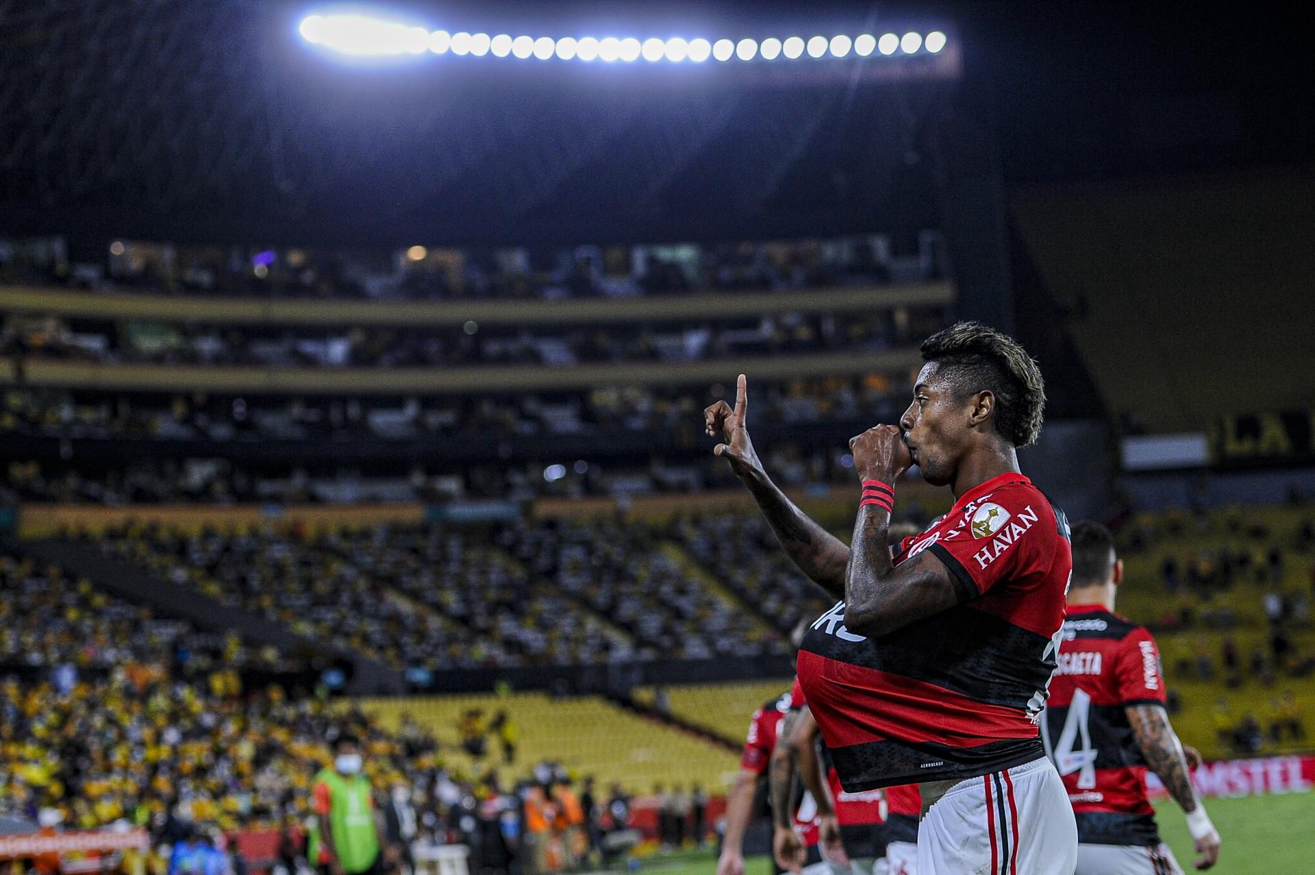 Com Bruno Henrique em noite inspirada, Flamengo bate o Barcelona-EQU e chega à final da Libertadores