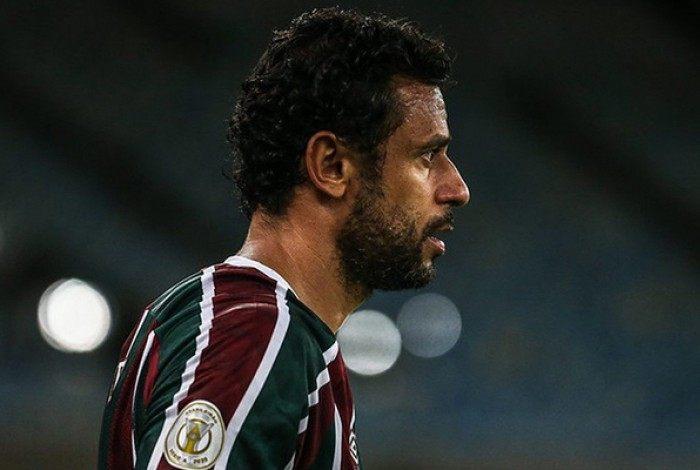 Capitão Fred também foi alvo das reclamações dos torcedores no Maracanã