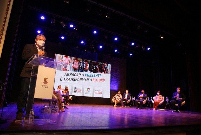Lançado no final do mês de setembro pelo prefeito Axel Grael, o Programa Cidade Educadora tem como foco transformar toda a cidade de Niterói em um ambiente educador.