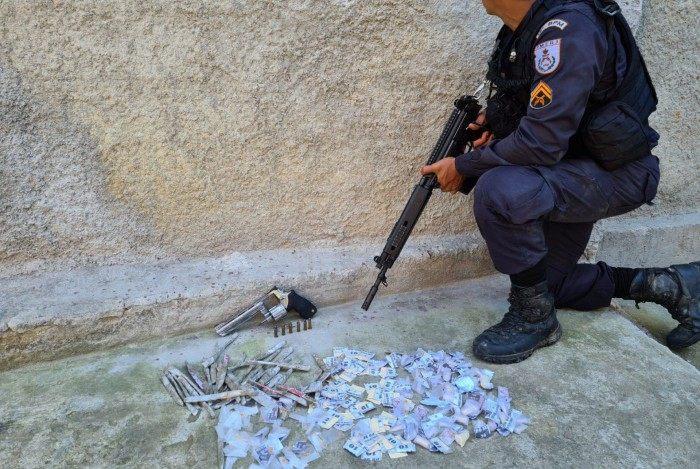 Criminoso 'XD' foi preso por policiais do 12º BPM (Niterói) na comunidade Sítio de Ferro