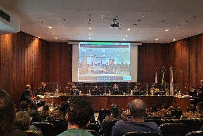 Audiência do processo contra 12 militares envolvidos na ação