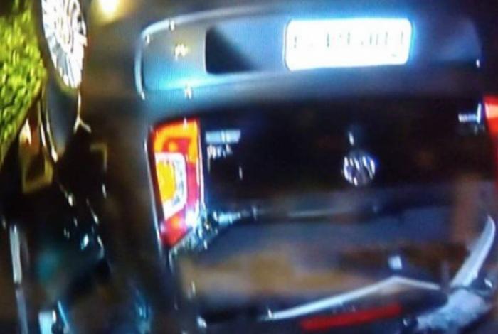 O acidente foi entre dois carros.