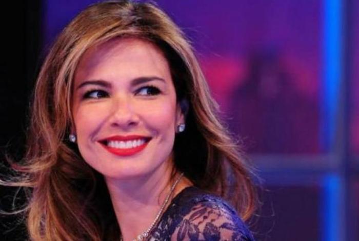 Luciana Gimenez confessa participar de aplicativo de paquera.