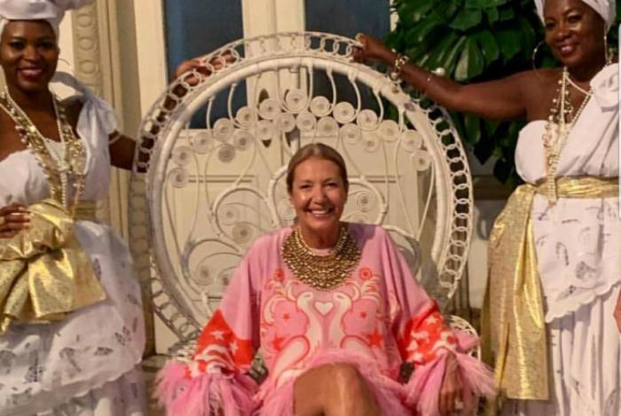 Donata Meirelles comemorou seu aniversário de 50 anos com uma festa em Salvador