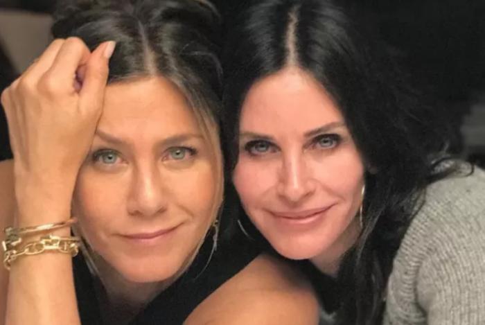 Jennifer Aniston e Courteney Cox levaram um susto