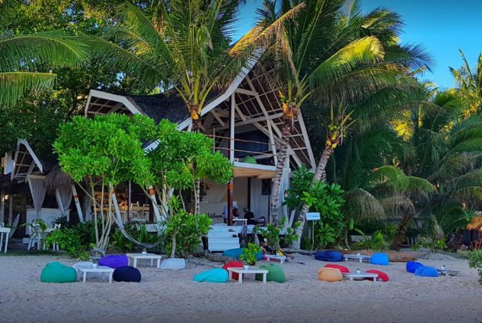 White Banana Beach Club, nas Filipinas