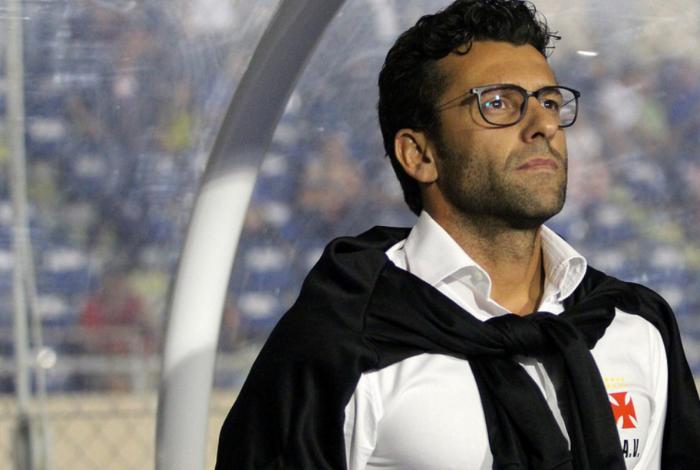 Alberto Valentim não é mais treinador do Vasco