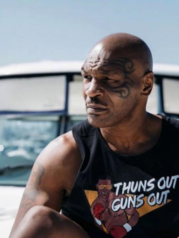 Mike Tyson pede liberação da maconha no esporte