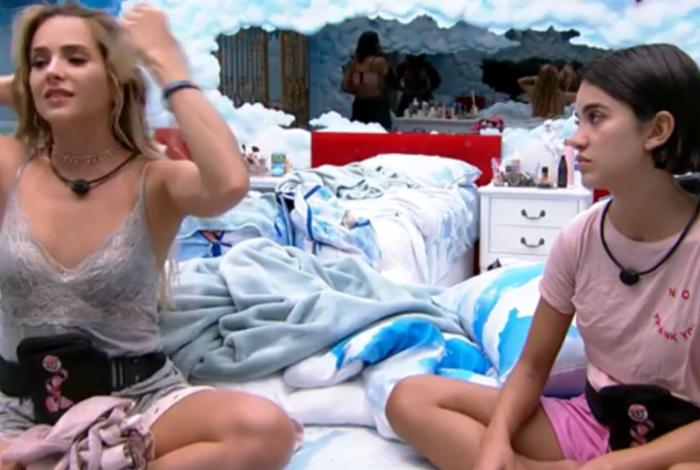 Gabi reclama para Manu Gavassi sobre a proximidade entre Bianca e Guilherme