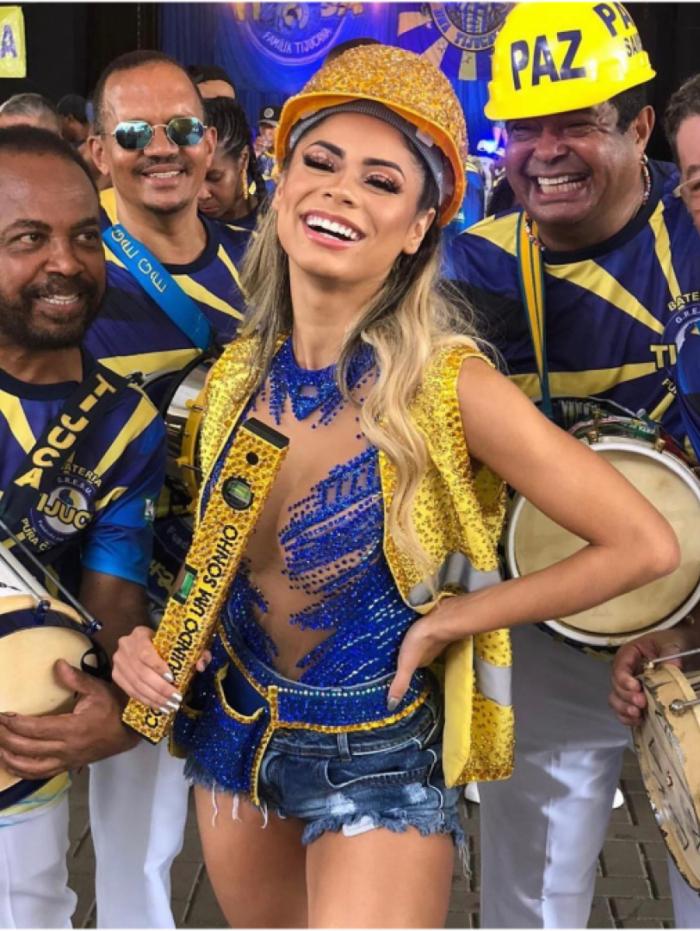 Lexa doará parte dos alimentos arrecadados em live para integrantes de escolas de samba do Rio