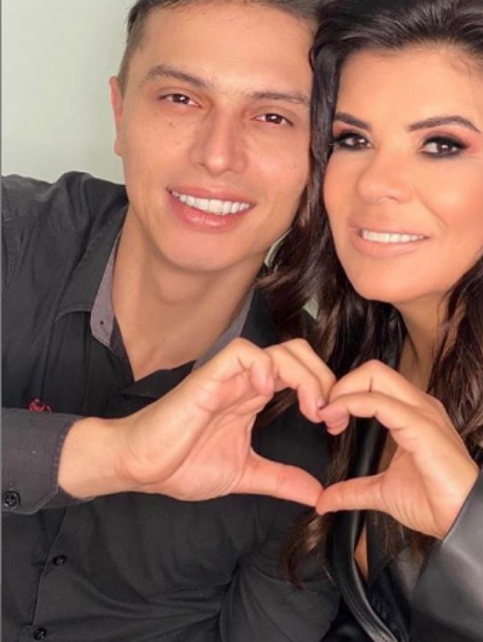 Mara Maravilha faz declaração para namorado 22 anos mais novo