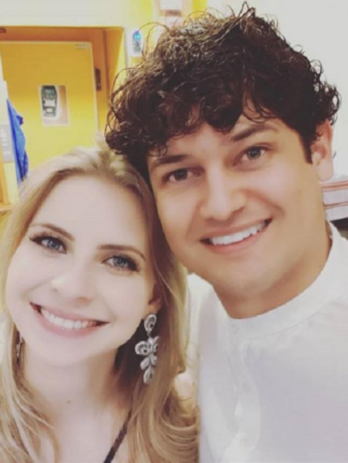 O pastor Rodrigo dos Santos e a mulher, Jessica Maciel