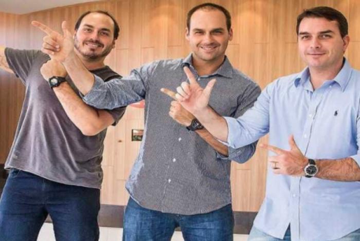 Carlos, Eduardo e Flávio Bolsonaro