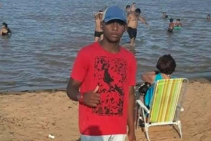 Guilherme Gomes Bravo, de 17 anos, foi assassinado, decapitado e teve sua cabeça jogada na rua, em Campos