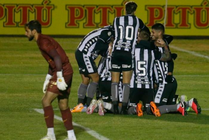 Botafogo venceu o Paraná
