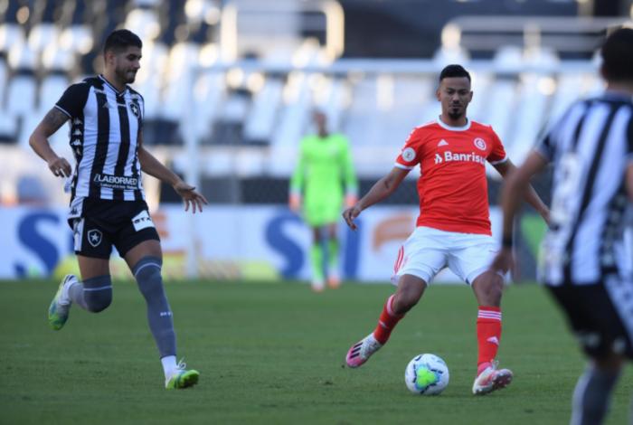 Botafogo foi derrotado pelo Internacional