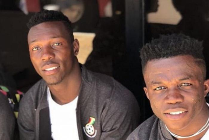 Opuku (a direita) atua pela seleção de base da Gana