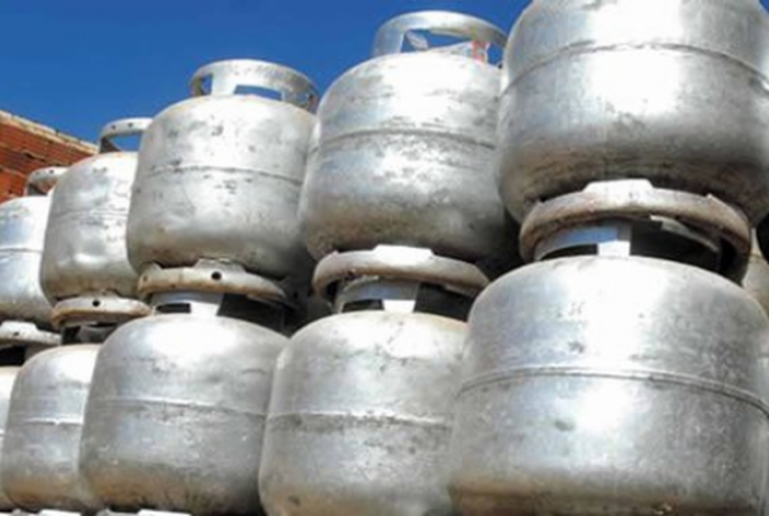 Governo quer dar auxílio temporário para ajudar a custear botijão de gás de famílias carentes